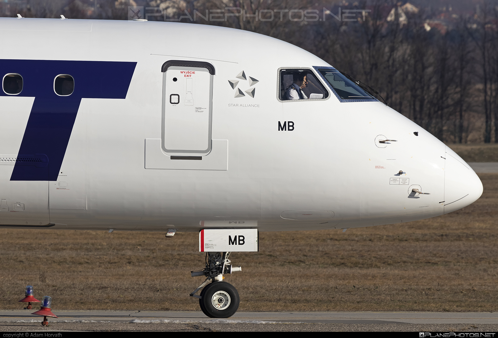 Embraer 190-100STD - SP-LMB operated by LOT Polish Airlines #e190 #embraer #embraer190 #embraer190std #lot #lotpolishairlines