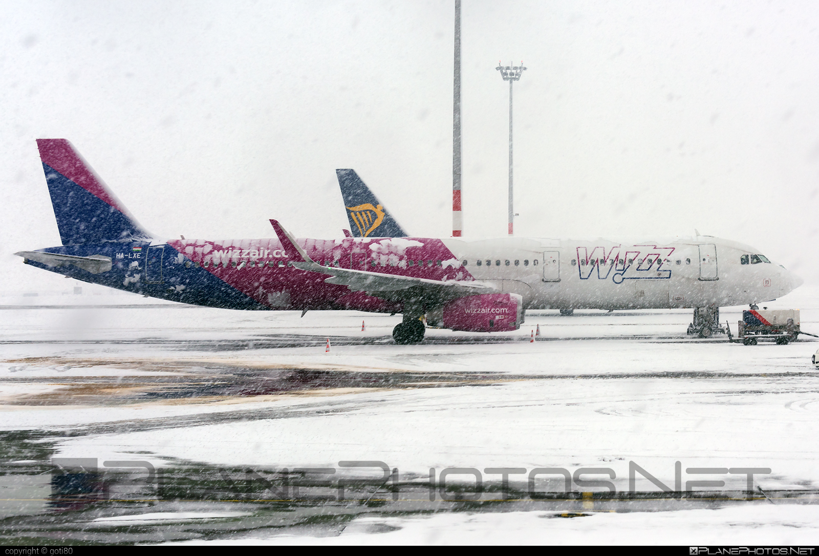 Airbus A321-231 - HA-LXE operated by Wizz Air #a320family #a321 #airbus #airbus321 #wizz #wizzair