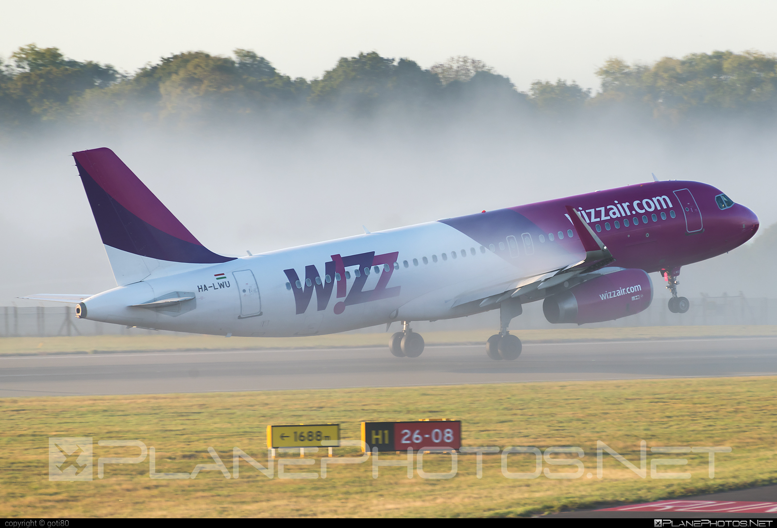 Airbus A320-232 - HA-LWU operated by Wizz Air #a320 #a320family #airbus #airbus320 #wizz #wizzair
