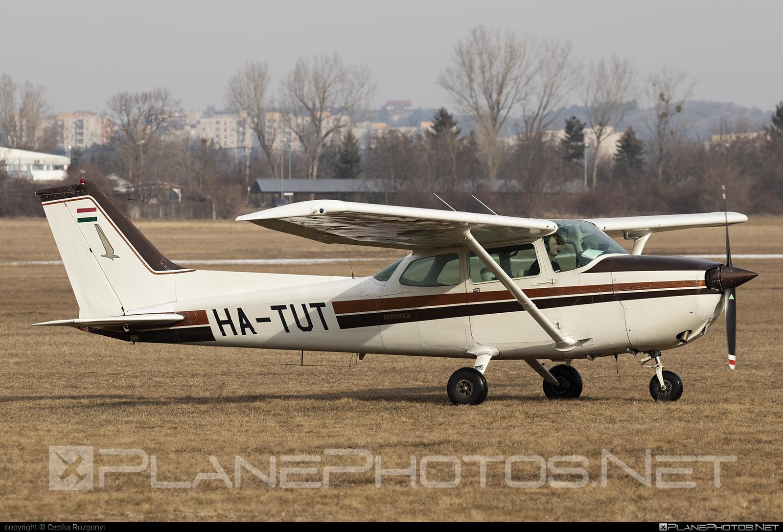 Cessna 172P SkyHawk II - HA-TUT operated by Private operator #cessna #cessna172 #cessna172p #cessna172pskyhawk #cessna172skyhawk #cessnaskyhawk #skyhawkii