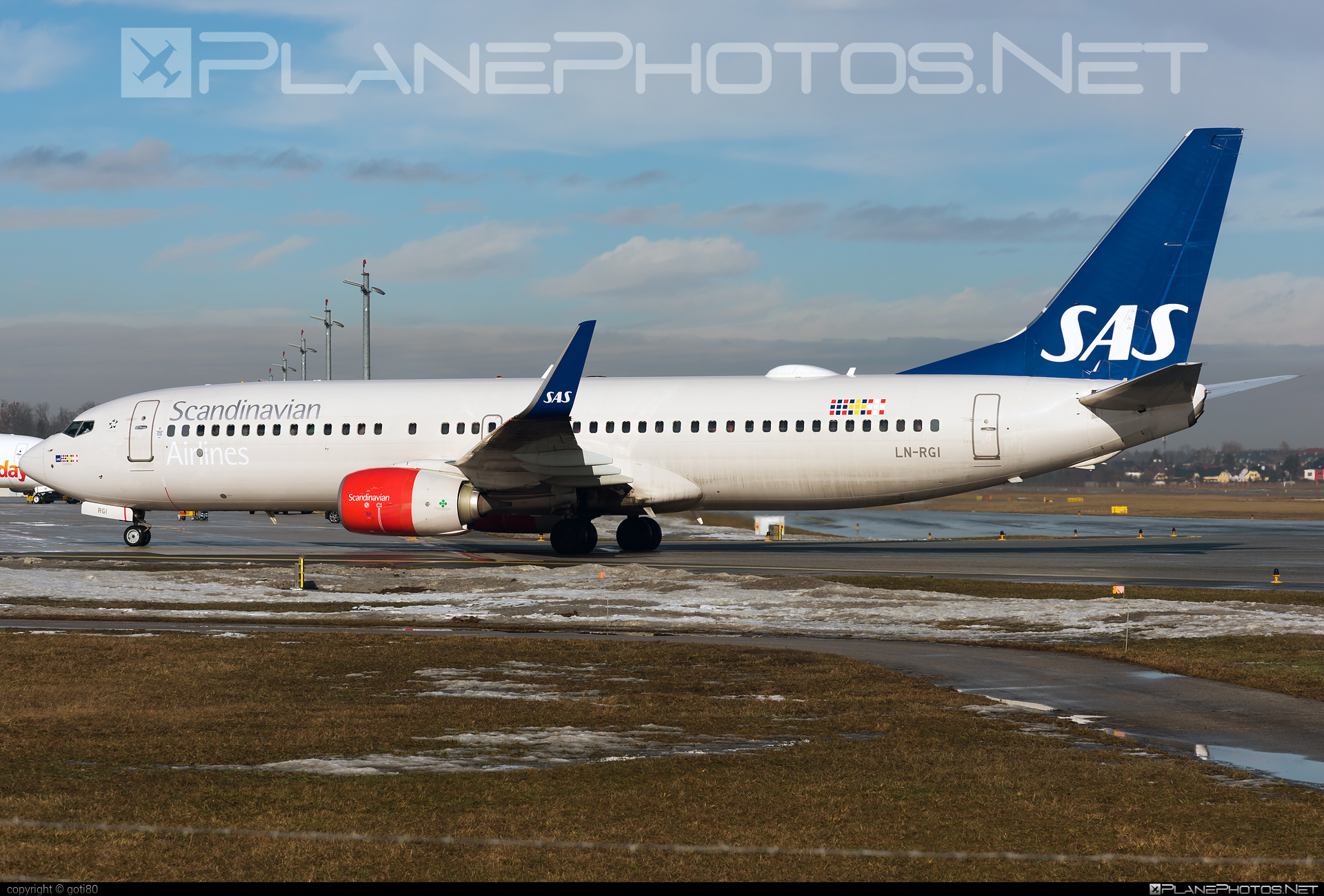 Boeing 737-800 - LN-RGI operated by Scandinavian Airlines (SAS) #b737 #b737nextgen #b737ng #boeing #boeing737 #sas #sasairlines #scandinavianairlines