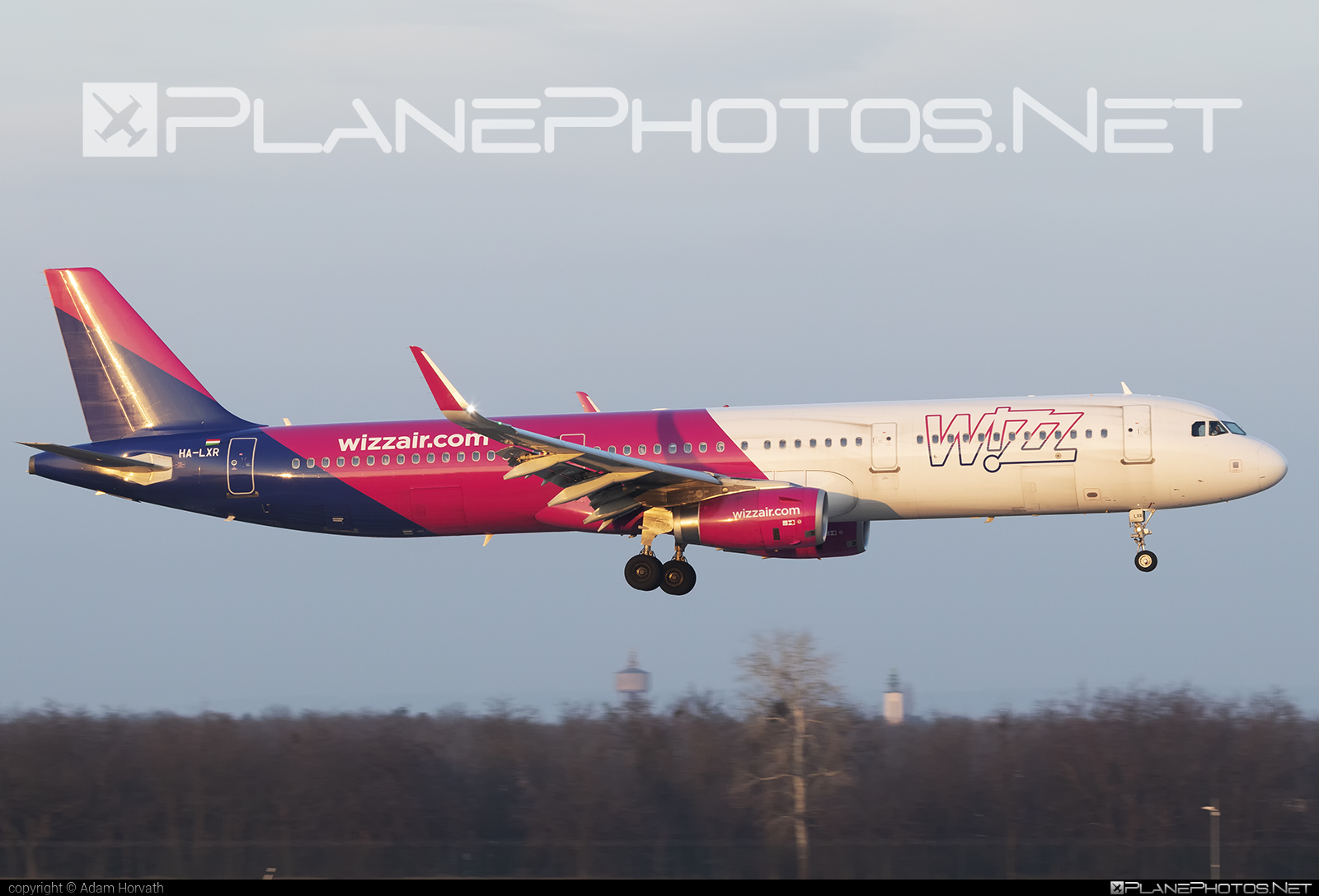 Airbus A321-231 - HA-LXR operated by Wizz Air #a320family #a321 #airbus #airbus321 #wizz #wizzair