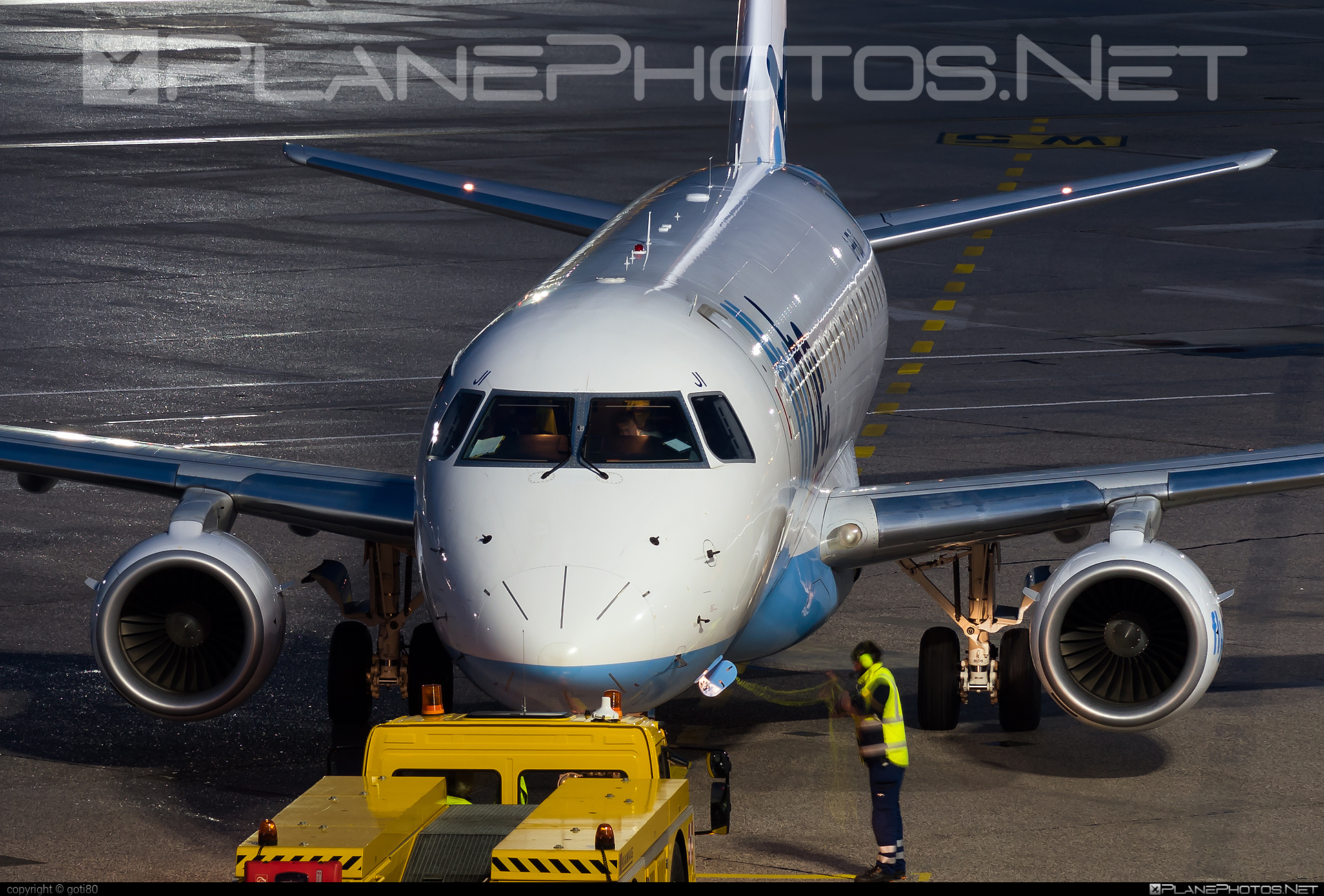 Embraer 170-200STD - G-FBJI operated by Flybe #embraer