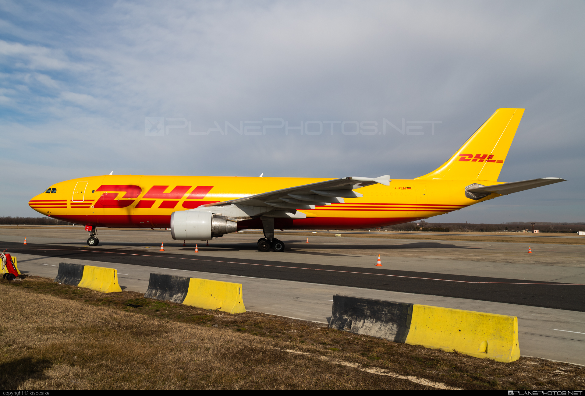 Airbus A300B4-622RF - D-AEAI operated by DHL (European Air Transport) #a300 #airbus