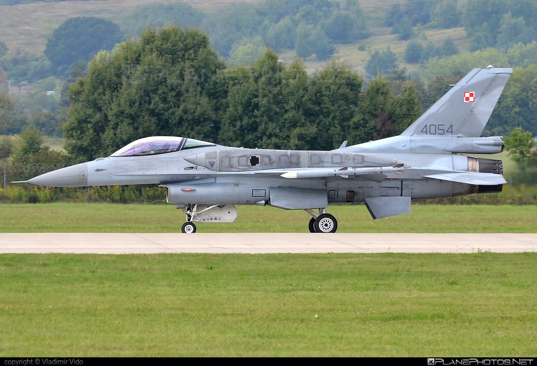 Lockheed Martin F-16CJ Fighting Falcon - 4054 operated by Siły Powietrzne Rzeczypospolitej Polskiej (Polish Air Force) #f16 #f16cj #fightingfalcon #lockheedmartin #polishairforce #silypowietrzne