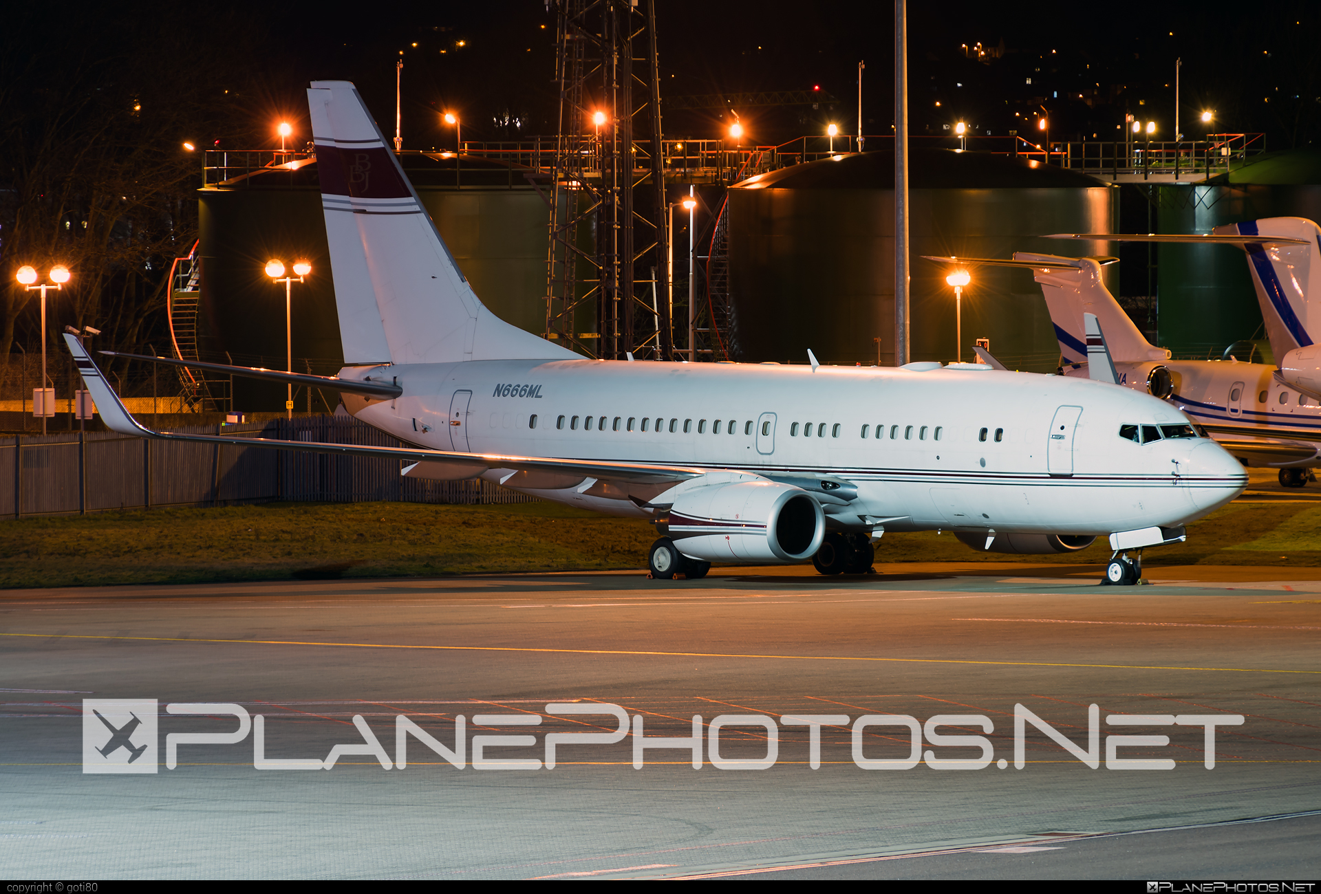 Boeing 737-700 - N666ML operated by Private operator #b737 #b737nextgen #b737ng #boeing #boeing737