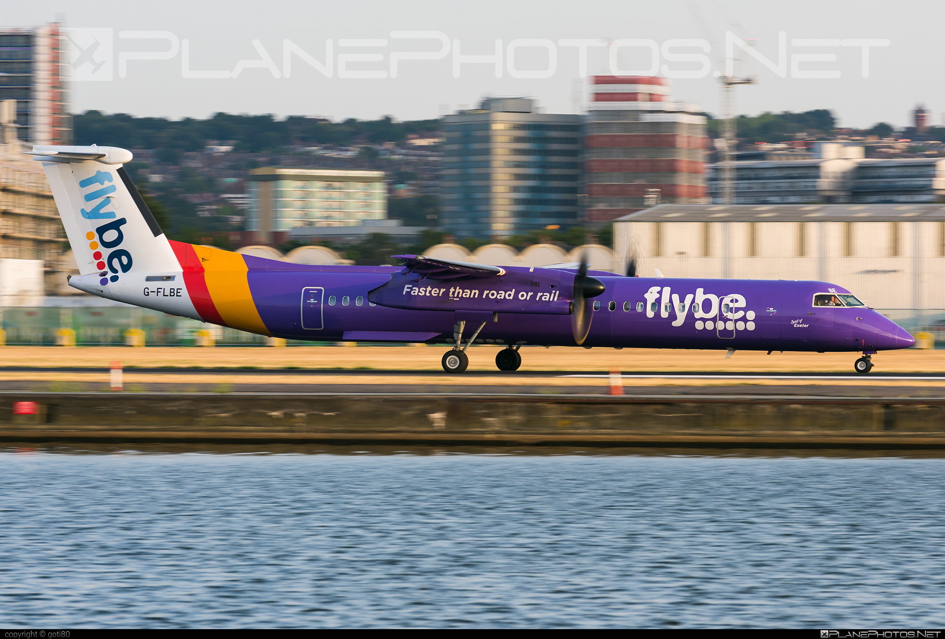 Bombardier DHC-8-Q402 Dash 8 - G-FLBE operated by Flybe #bombardier