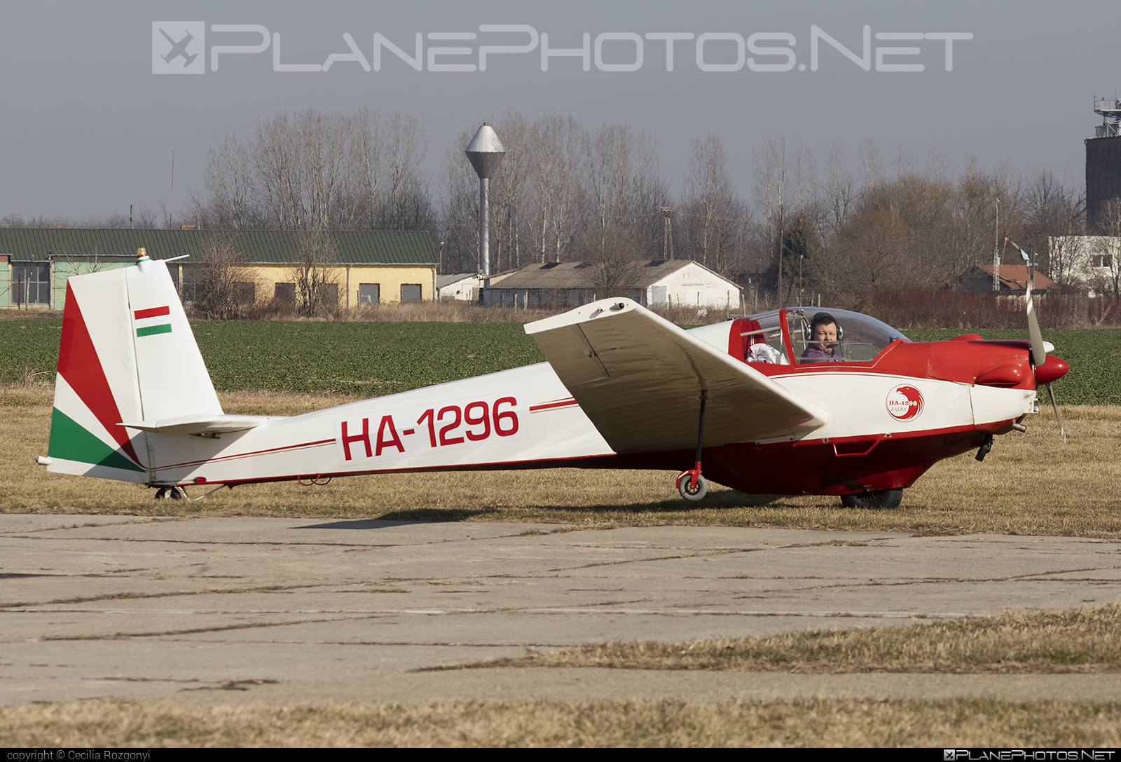 Scheibe SF-25C Falke - HA-1296 operated by Private operator #scheibe #scheibefalke #sf25 #sf25c