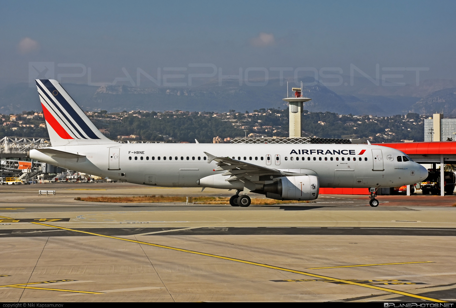 Airbus A320-214 - F-HBNE operated by Air France #a320 #a320family #airbus #airbus320 #airfrance