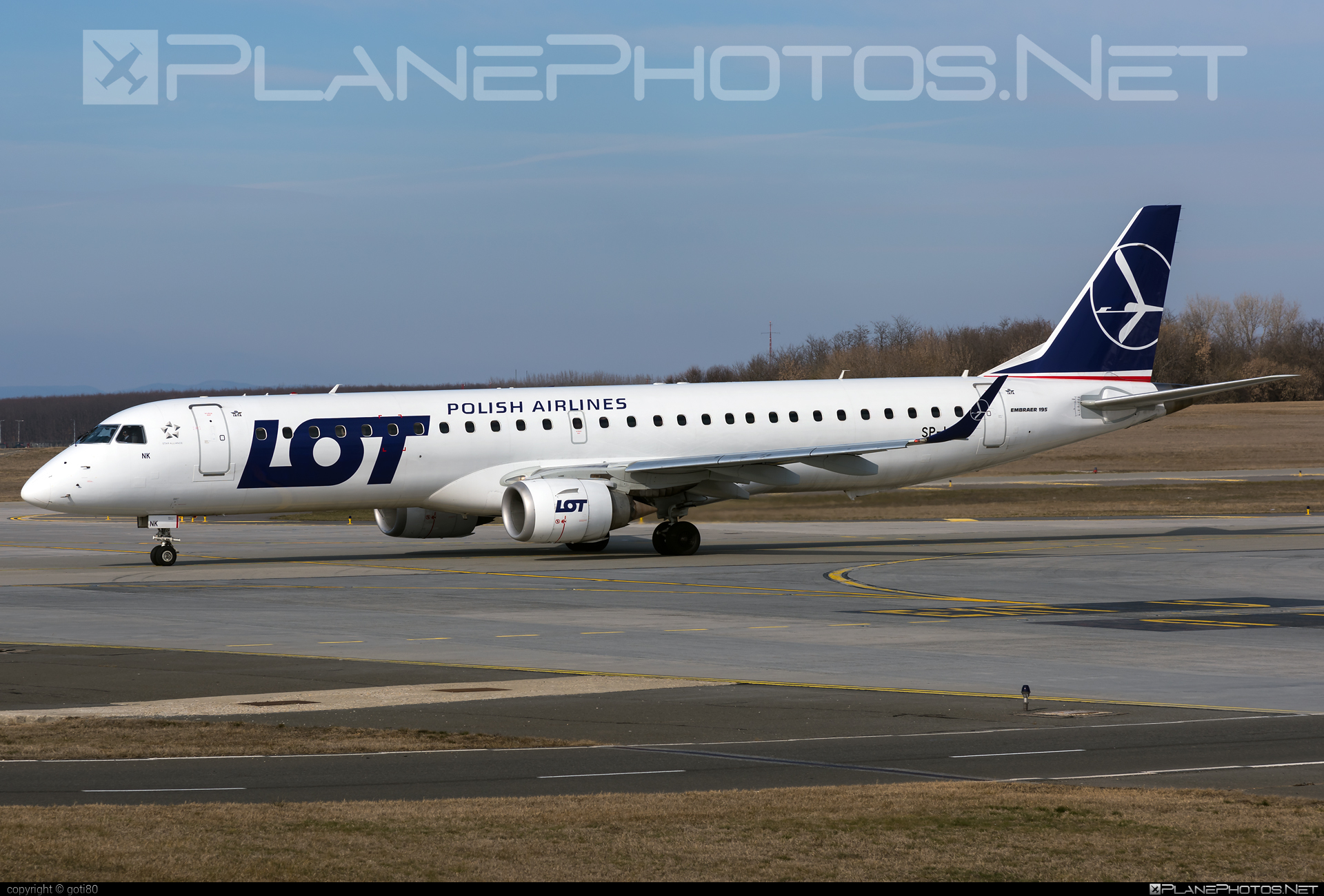 Embraer E195LR (ERJ-190-200LR) - SP-LNK operated by LOT Polish Airlines #e190 #e190200 #e190200lr #e195lr #embraer #embraer190200lr #embraer195 #embraer195lr #lot #lotpolishairlines