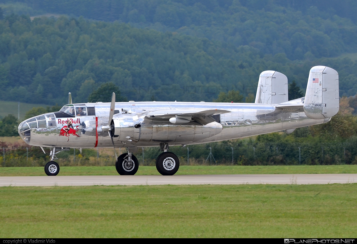 North American B-25J Mitchell - N6123C operated by The Flying Bulls #b25 #b25j #b25mitchell #northamerican #theflyingbulls
