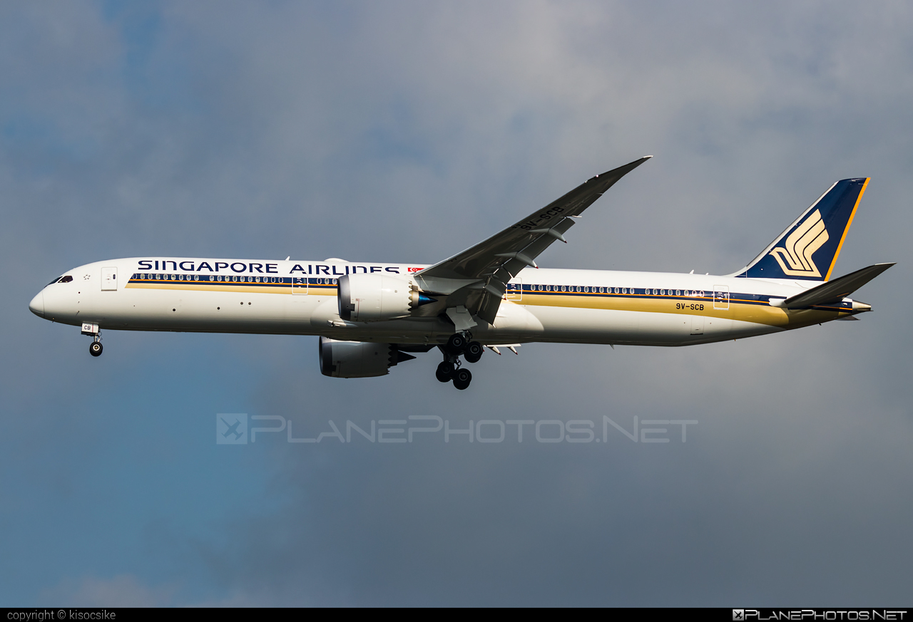 Boeing 787-10 Dreamliner - 9V-SCB operated by Singapore Airlines #b787 #boeing #boeing787 #dreamliner #singaporeairlines