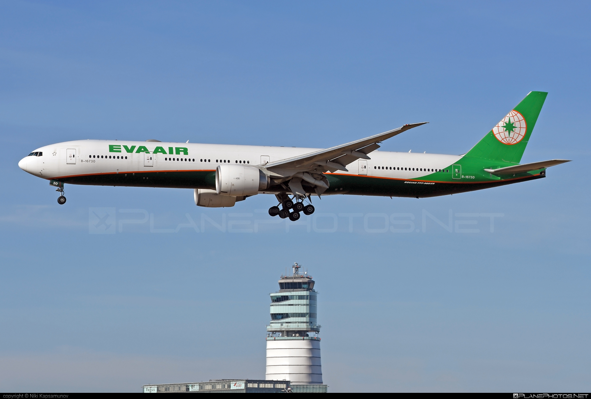 Boeing 777-300ER - B-16730 operated by EVA Air #b777 #b777er #boeing #boeing777 #tripleseven
