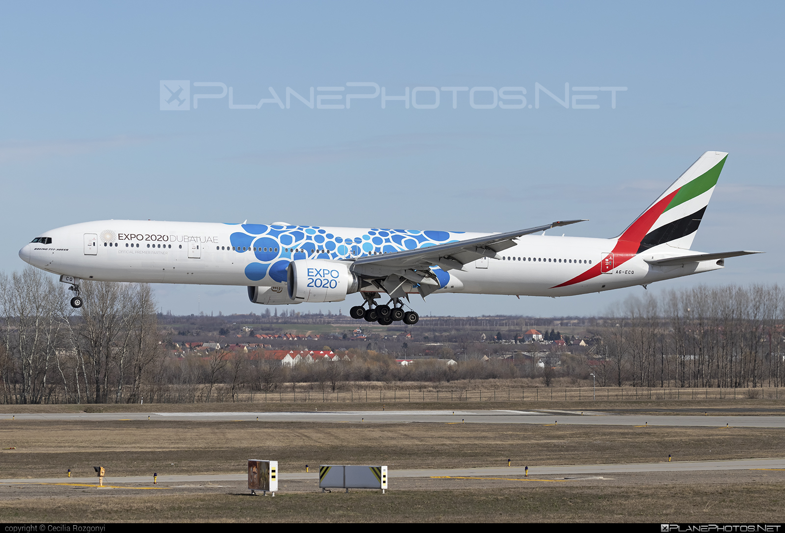 Boeing 777-300ER - A6-ECQ operated by Emirates #b777 #b777er #boeing #boeing777 #emirates #tripleseven