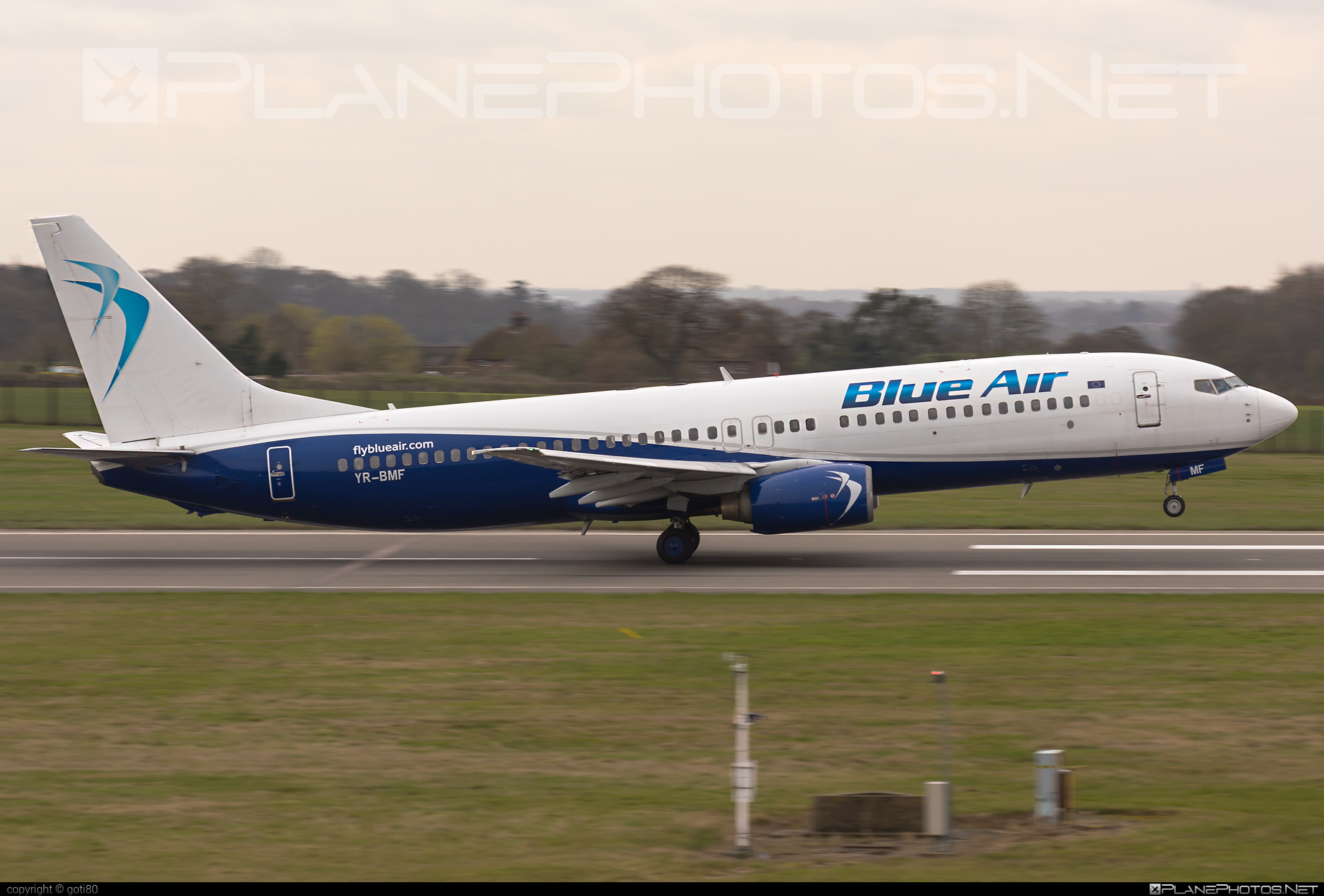 Boeing 737-800 - YR-BMF operated by Blue Air #b737 #b737nextgen #b737ng #boeing #boeing737
