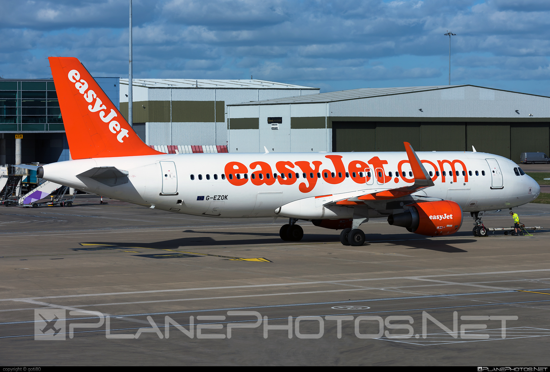 Airbus A320-214 - G-EZOK operated by easyJet #a320 #a320family #airbus #airbus320 #easyjet