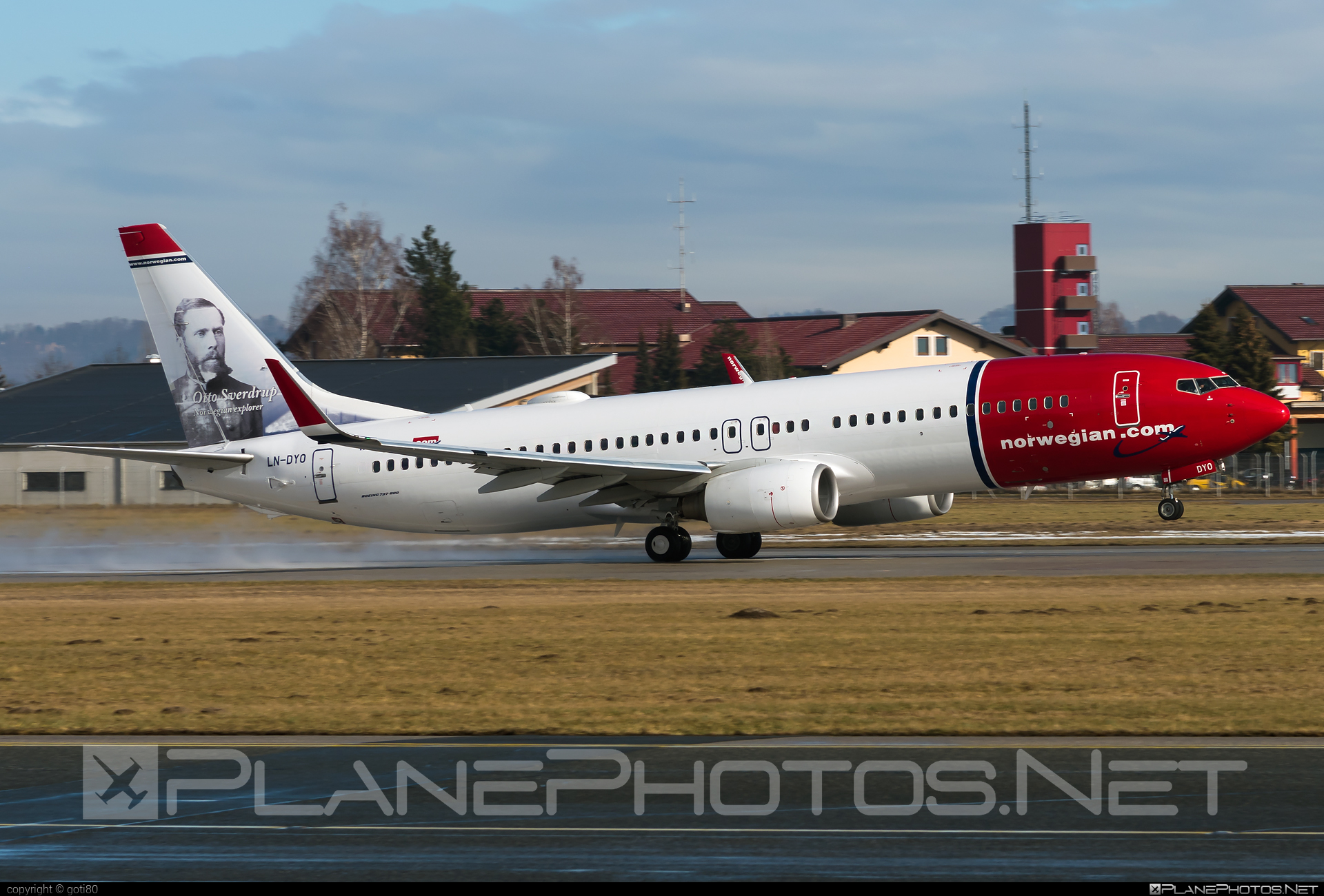 Boeing 737-800 - LN-DYO operated by Norwegian Air Shuttle #b737 #b737nextgen #b737ng #boeing #boeing737 #norwegian #norwegianair #norwegianairshuttle