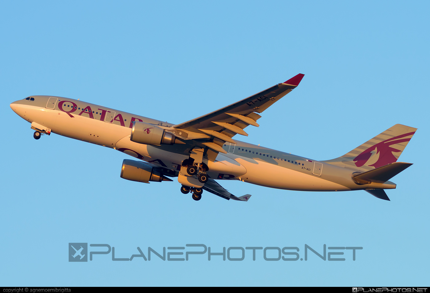 Qatar Airways Airbus A330-202 - A7-ACI #a330 #a330family #airbus #airbus330 #qatarairways