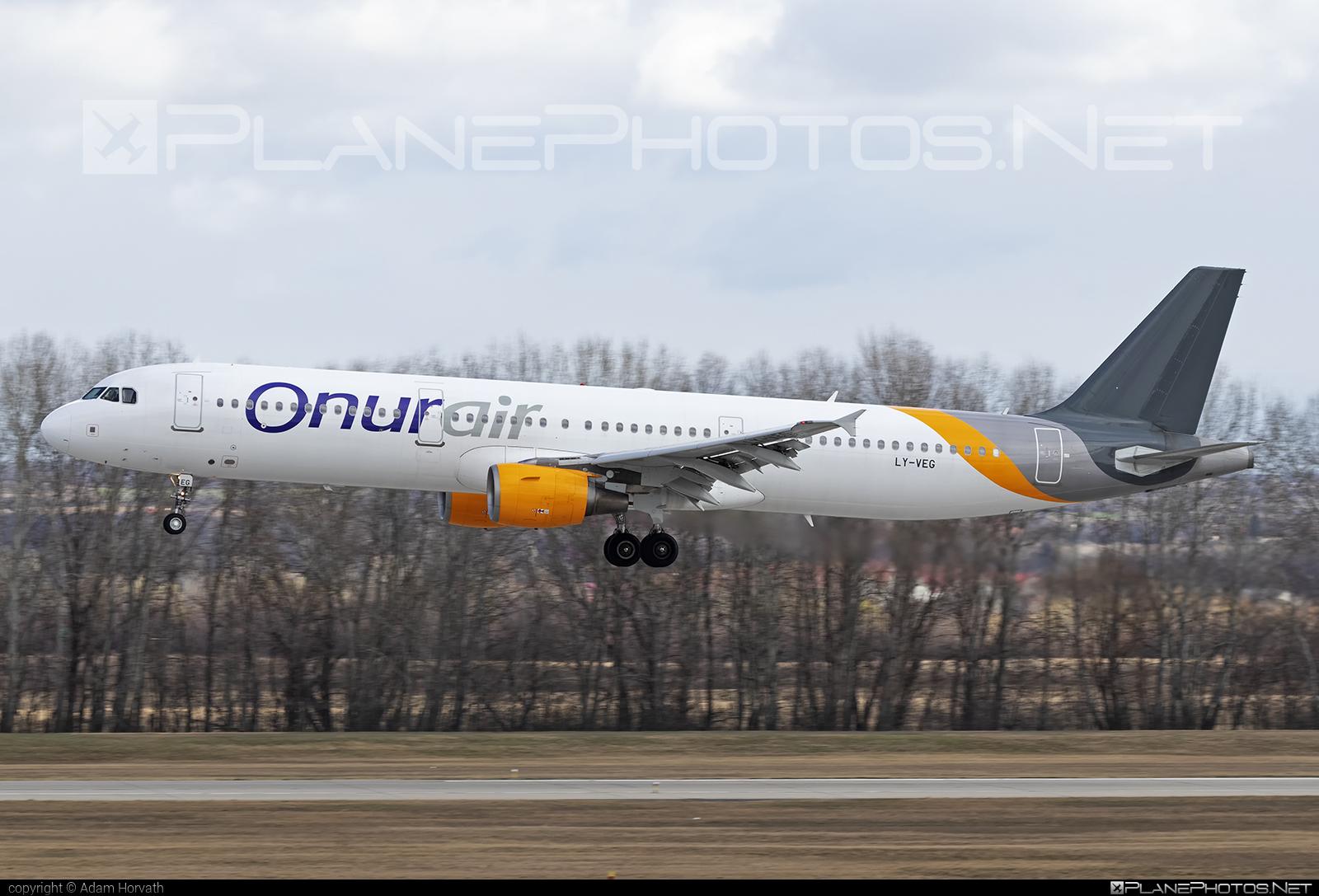 Onur Air Airbus A321-211 - LY-VEG #a320family #a321 #airbus #airbus321