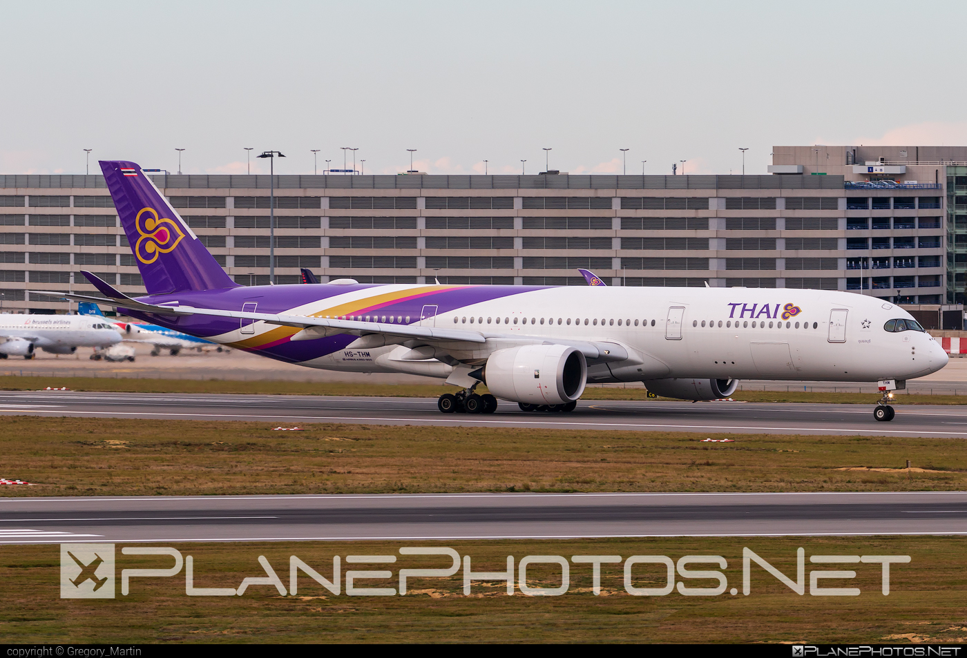 Airbus A350-941 - HS-THM operated by Thai Airways #a350 #a350family #airbus #airbus350 #thaiairways #xwb