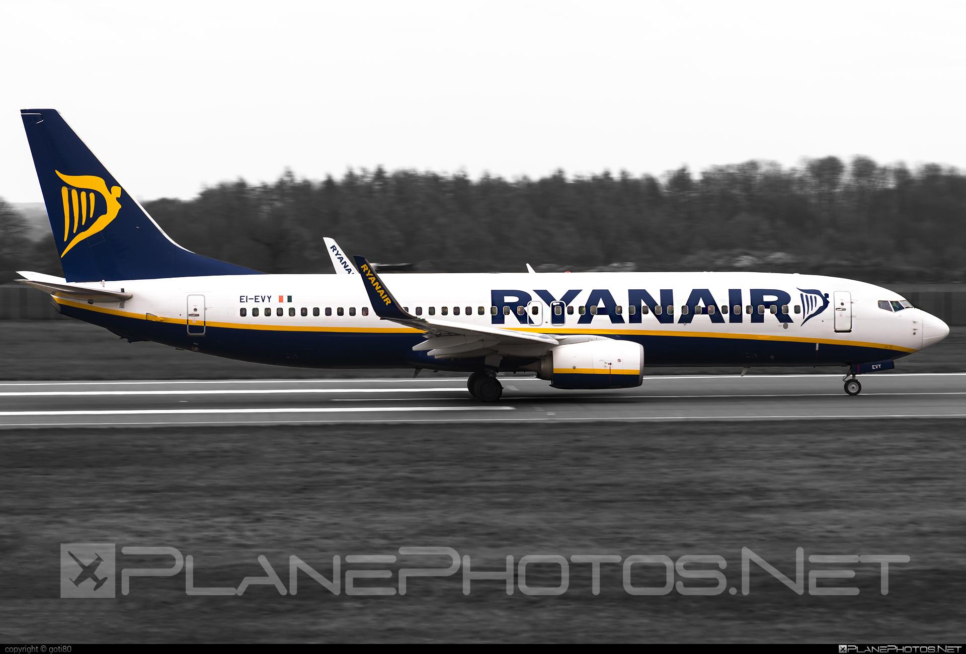 Ryanair Boeing 737-800 - EI-EVY #b737 #b737nextgen #b737ng #boeing #boeing737 #ryanair