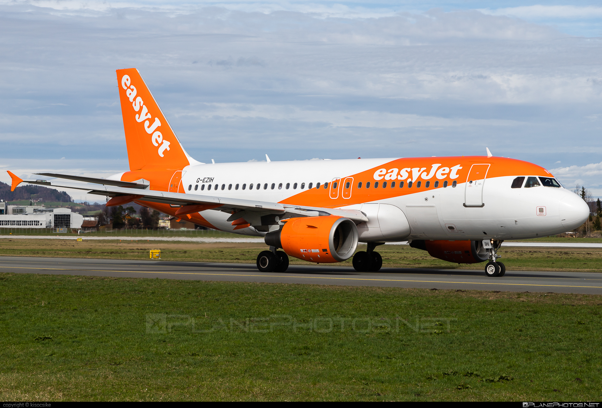 Airbus A319-111 - G-EZIH operated by easyJet #a319 #a320family #airbus #airbus319 #easyjet