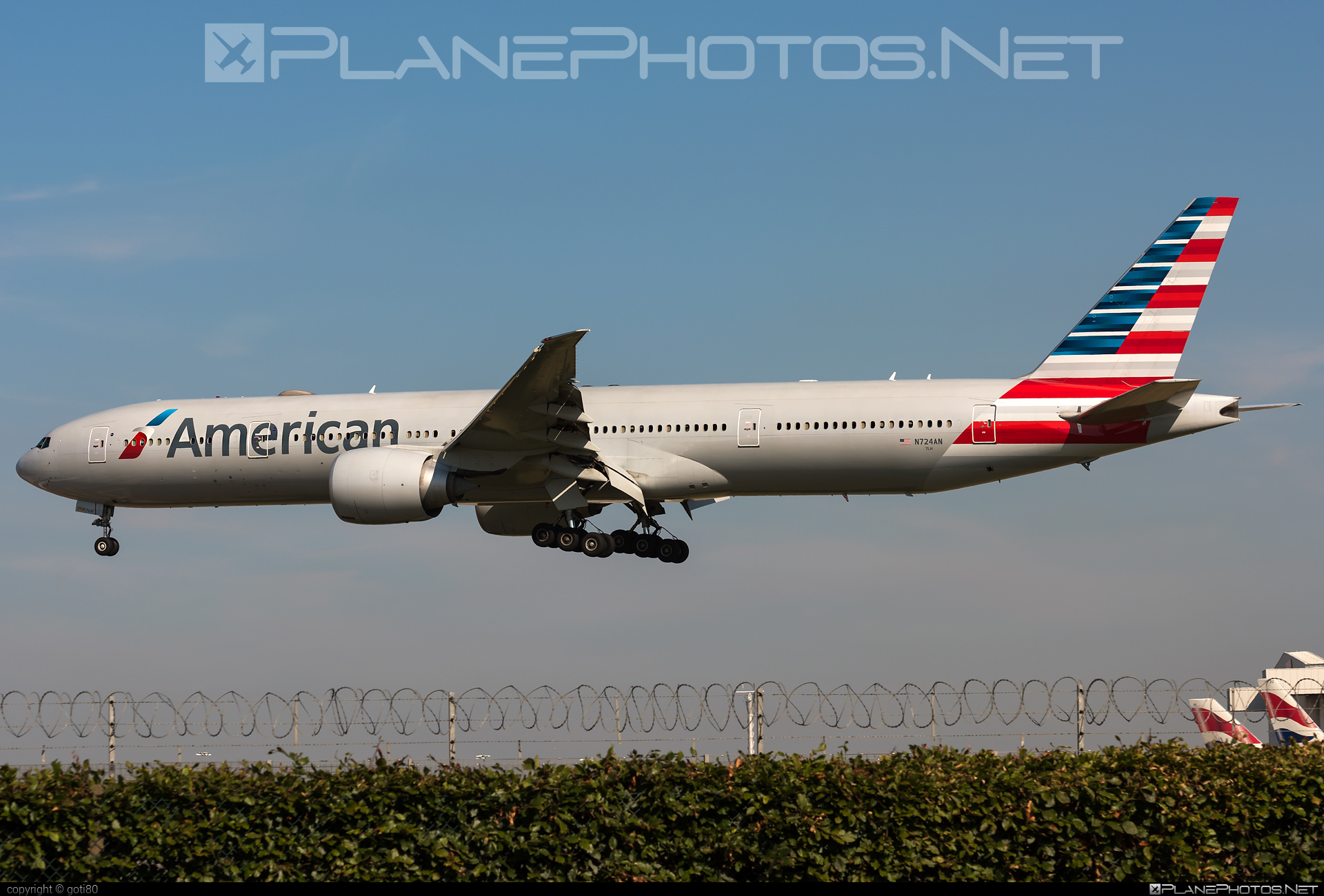 American Airlines Boeing 777-300ER - N724AN #americanairlines #b777 #b777er #boeing #boeing777 #tripleseven