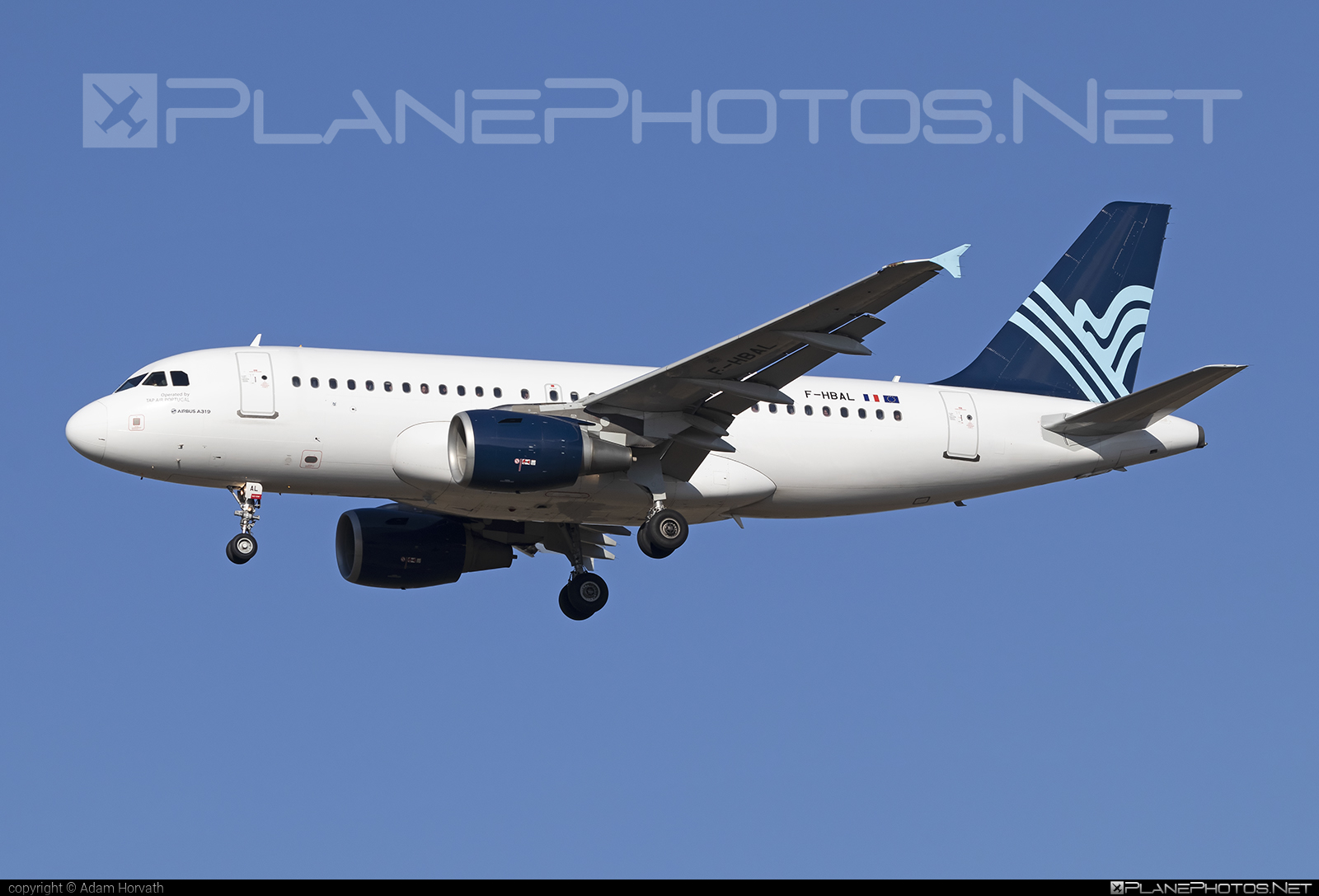 Airbus A319-111 - F-HBAL operated by Aigle Azur #a319 #a320family #airbus #airbus319