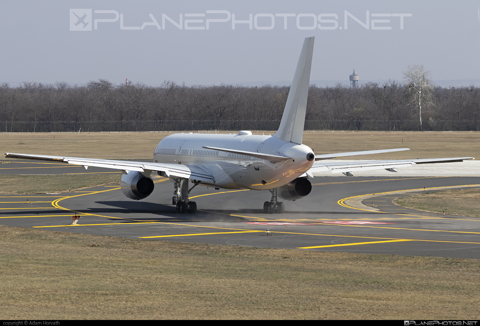 Boeing C-32B - 00-9001 operated by US Air Force (USAF) #boeing #usaf #usairforce