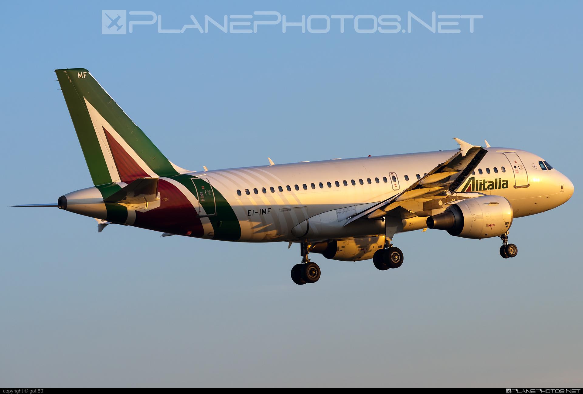 Airbus A319-112 - EI-IMF operated by Alitalia #a319 #a320family #airbus #airbus319 #alitalia