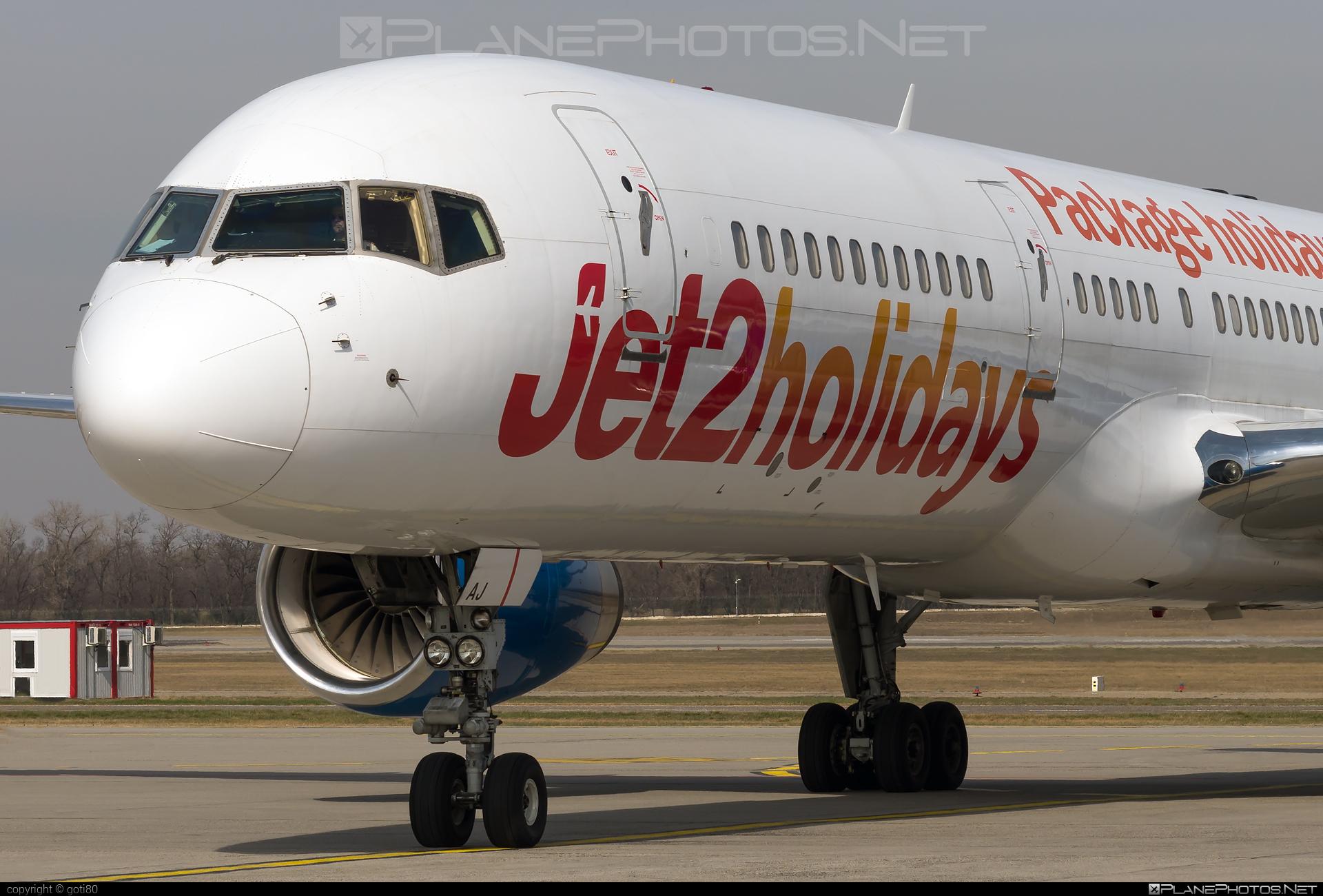 Boeing 757-200 - G-LSAJ operated by Jet2 #b757 #boeing #boeing757 #jet2