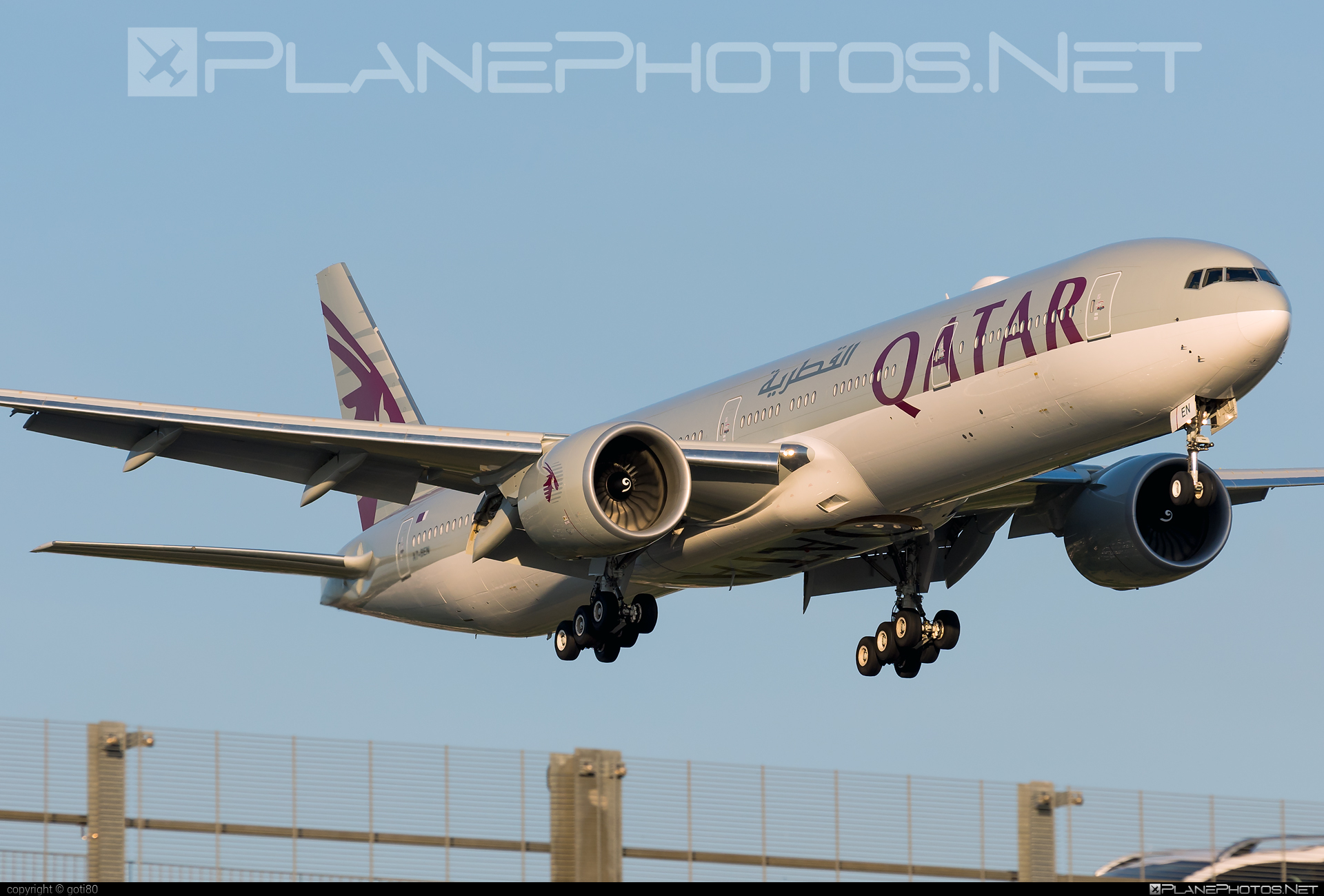 Boeing 777-300ER - A7-BEN operated by Qatar Airways #b777 #b777er #boeing #boeing777 #qatarairways #tripleseven