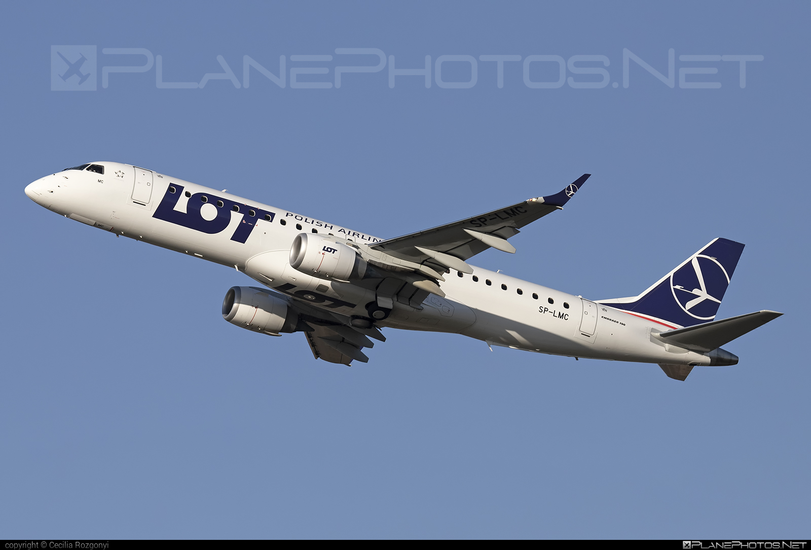 Embraer 190-100STD - SP-LMC operated by LOT Polish Airlines #e190 #embraer #embraer190 #embraer190std #lot #lotpolishairlines