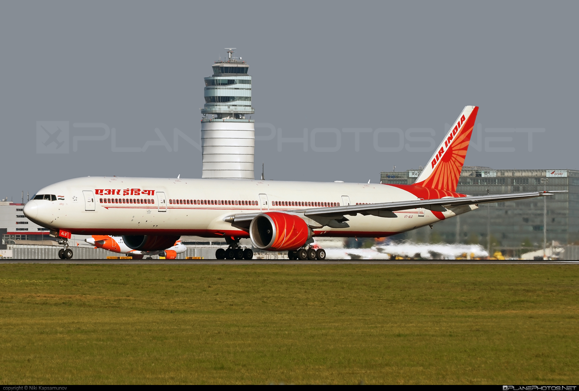 Boeing 777-300ER - VT-ALQ operated by Air India #b777 #b777er #boeing #boeing777 #tripleseven