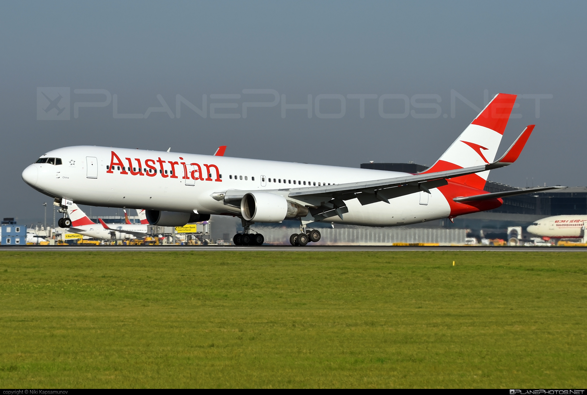 Boeing 767-300ER - OE-LAW operated by Austrian Airlines #b767 #b767er #boeing #boeing767