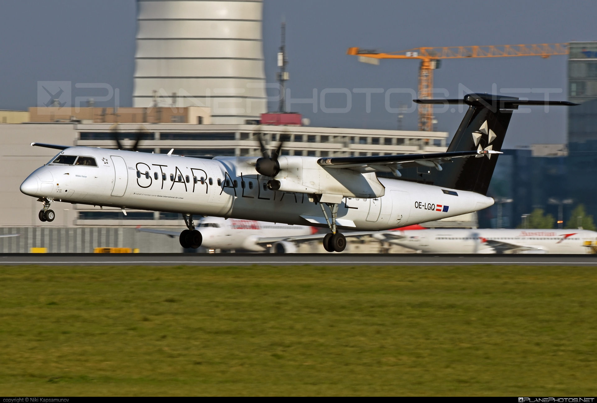 Bombardier DHC-8-Q402 Dash 8 - OE-LGQ operated by Austrian Airlines #bombardier #staralliance