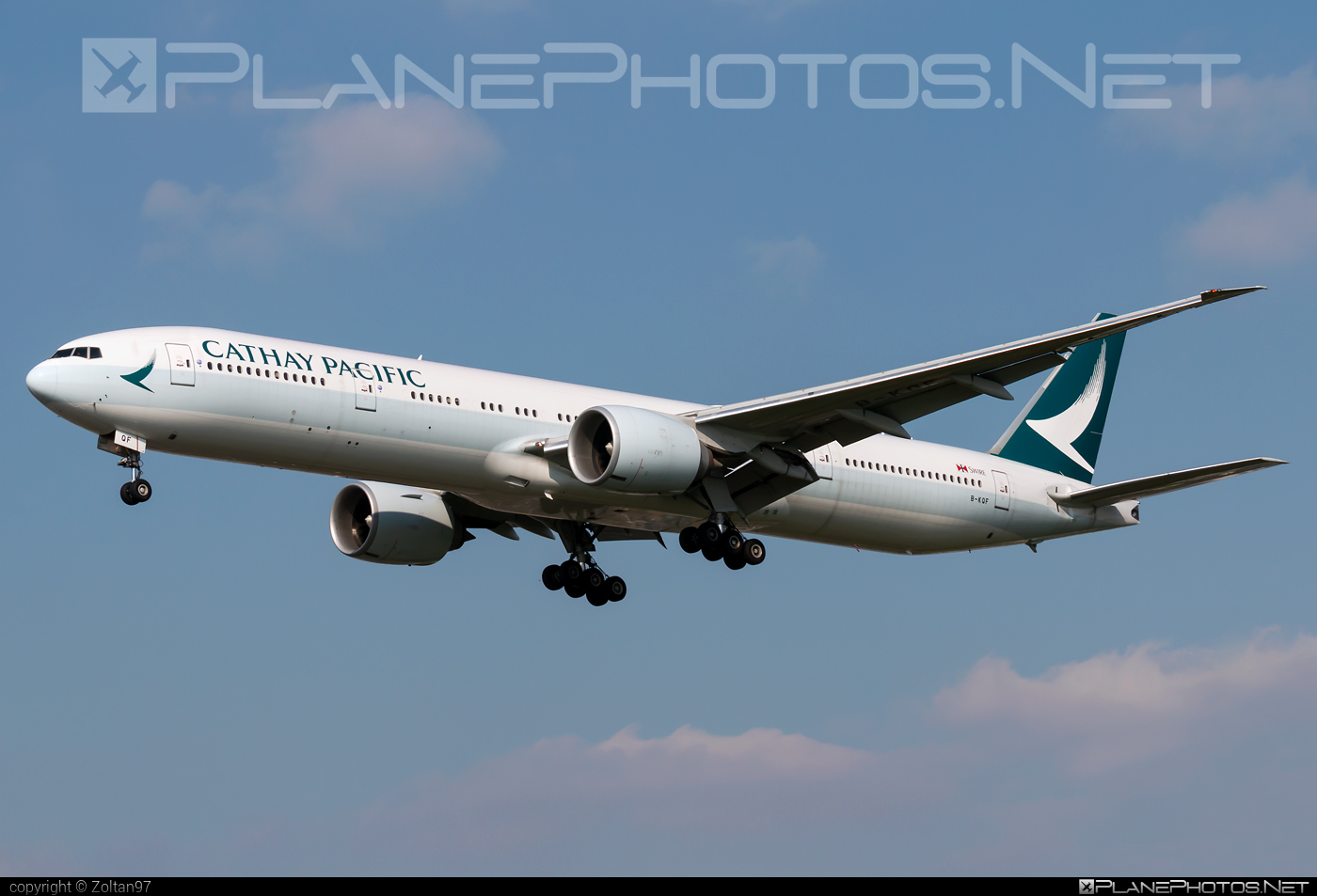 Boeing 777-300ER - B-KQF operated by Cathay Pacific Airways #b777 #b777er #boeing #boeing777 #cathaypacific #cathaypacificairways #tripleseven