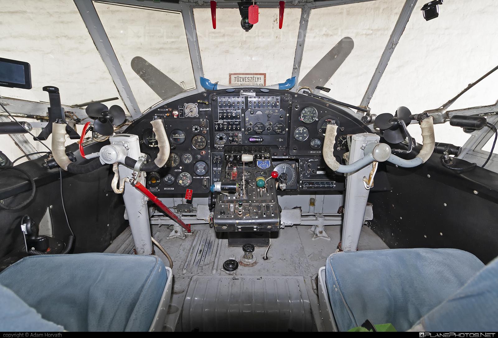 PZL-Mielec An-2R - HA-MEA operated by Sky Escort Hungary Aero Club #an2 #an2r #antonov2 #pzl #pzlmielec #skyescorthungaryaeroclub
