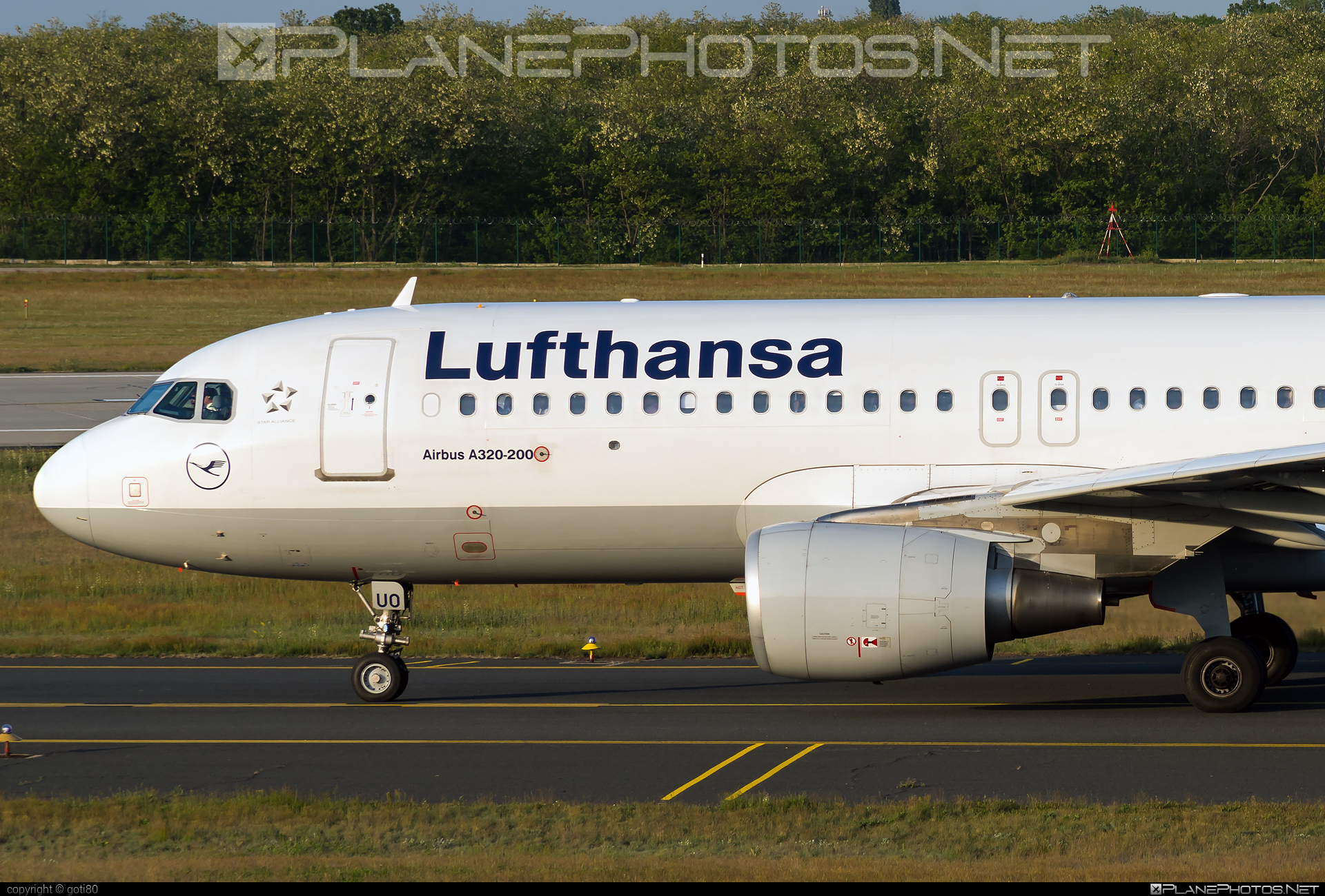 Airbus A320-214 - D-AIUO operated by Lufthansa #a320 #a320family #airbus #airbus320 #lufthansa