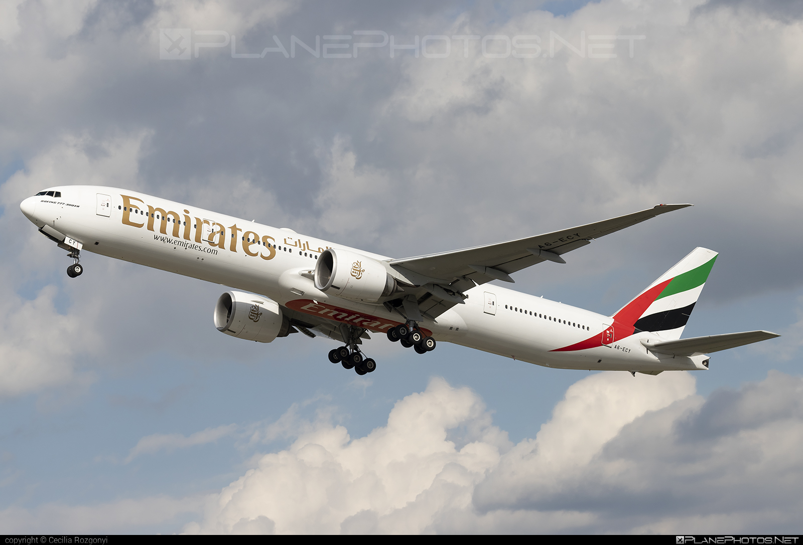 Emirates Boeing 777-300ER - A6-ECY #b777 #b777er #boeing #boeing777 #emirates #tripleseven