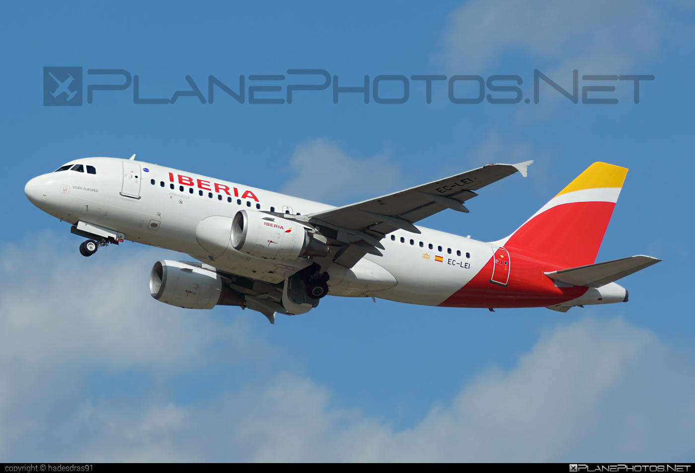 Airbus A319-111 - EC-LEI operated by Iberia #a319 #a320family #airbus #airbus319 #iberia