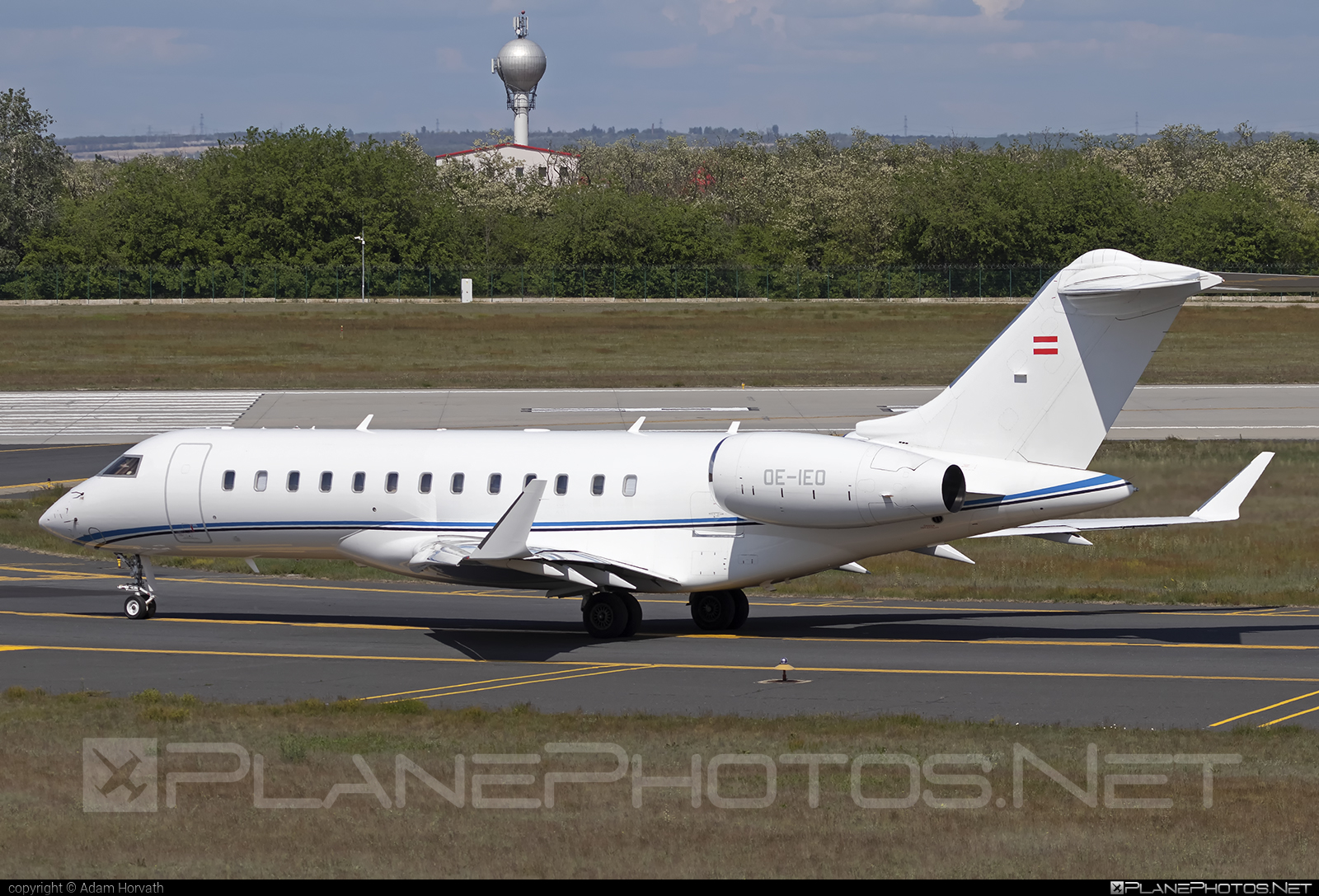 Private operator Bombardier BD-700-1A10 Global Express - OE-IEO #bombardier