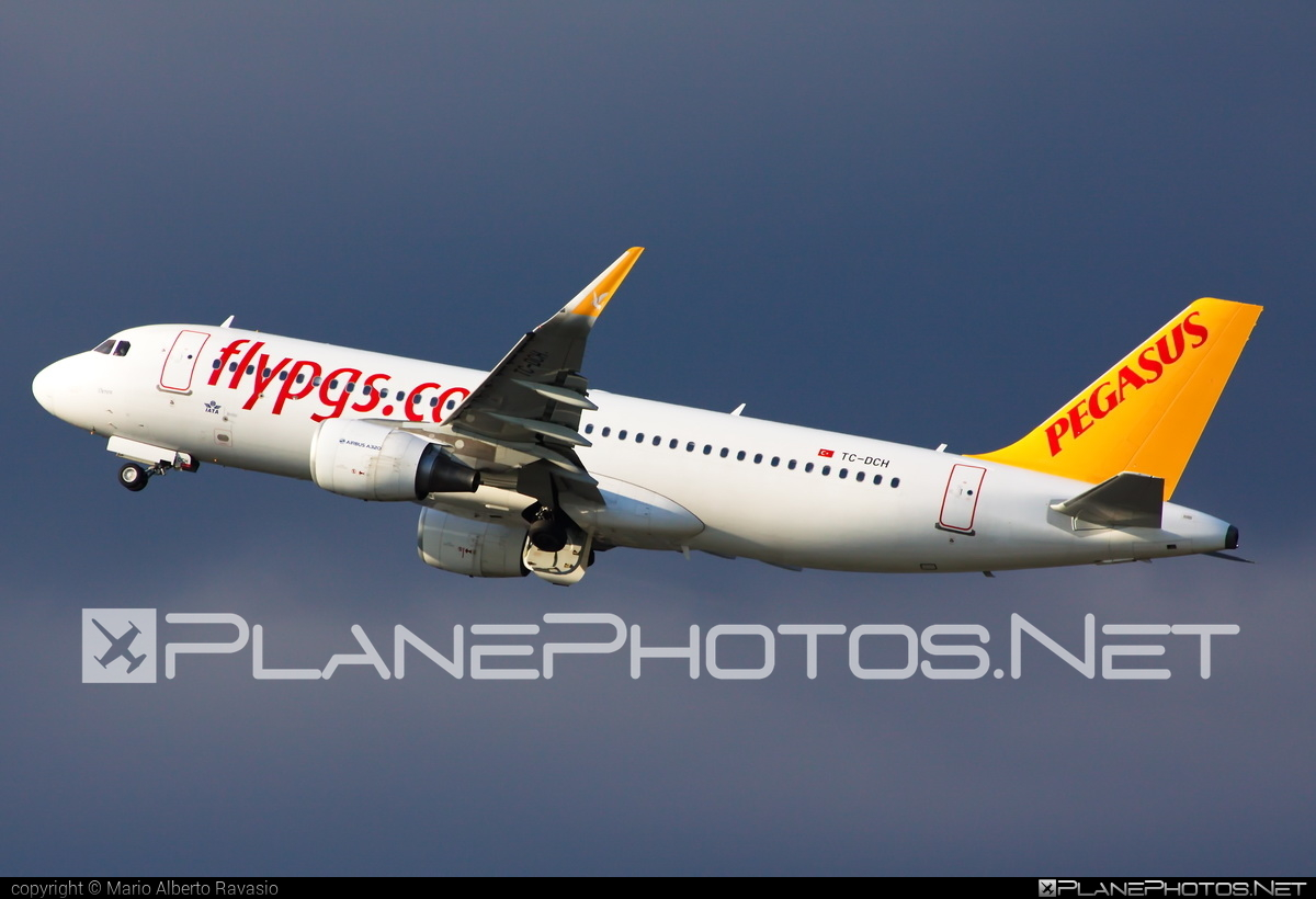 Airbus A320-216 - TC-DCH operated by Pegasus Airlines #a320 #a320family #airbus #airbus320
