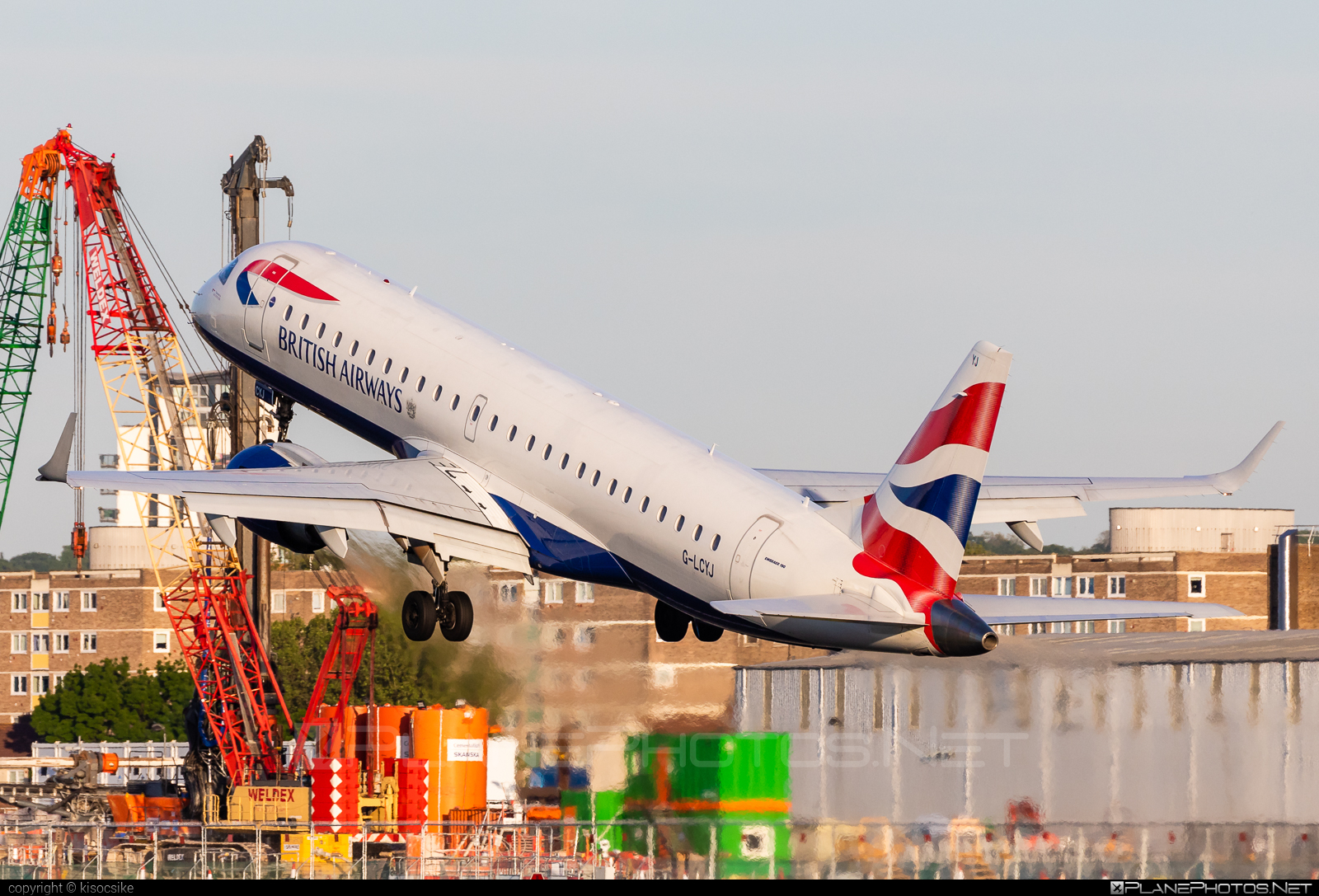 Embraer 190-100SR - G-LCYJ operated by BA CityFlyer #e190 #embraer #embraer190 #embraer190sr