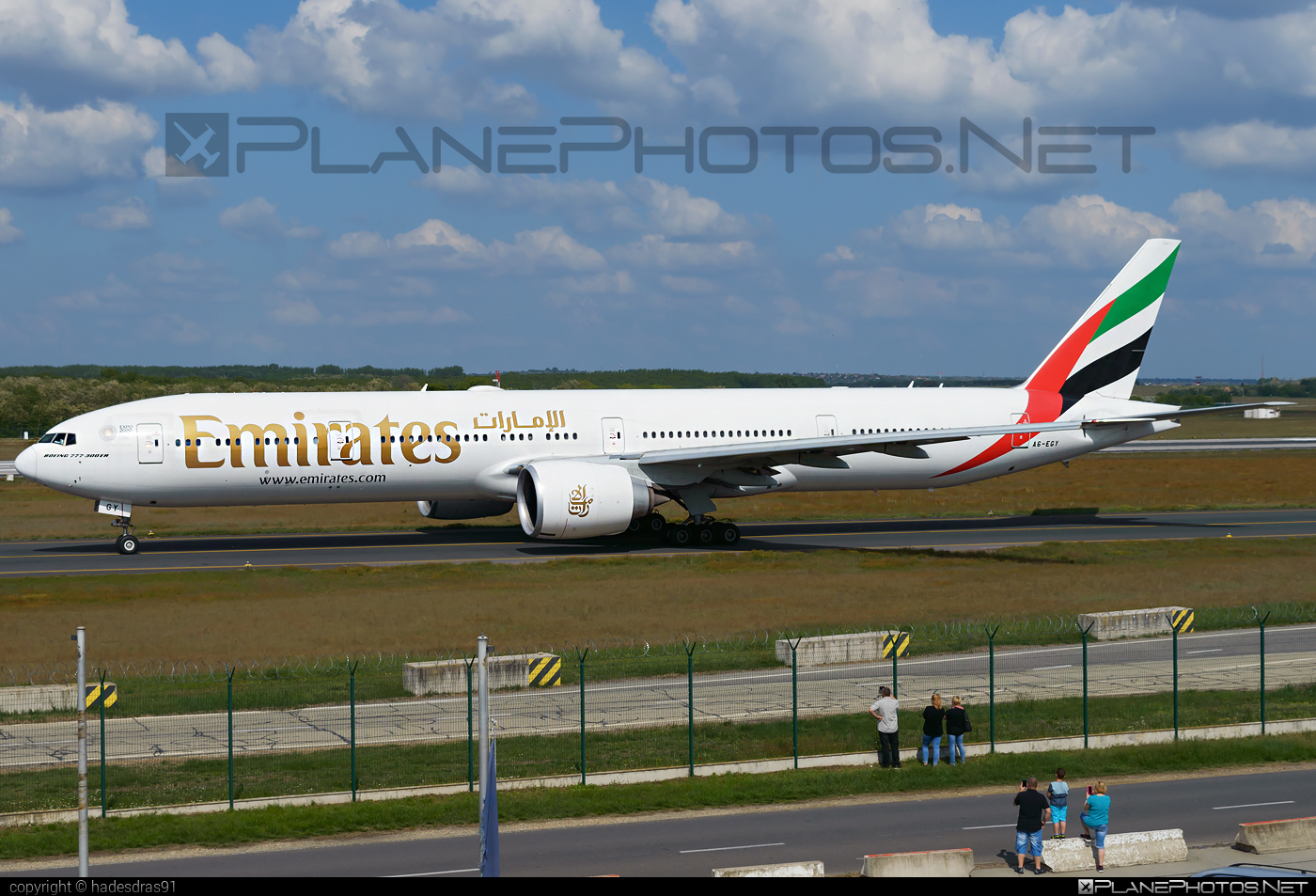 Boeing 777-300ER - A6-EGY operated by Emirates #b777 #b777er #boeing #boeing777 #emirates #tripleseven