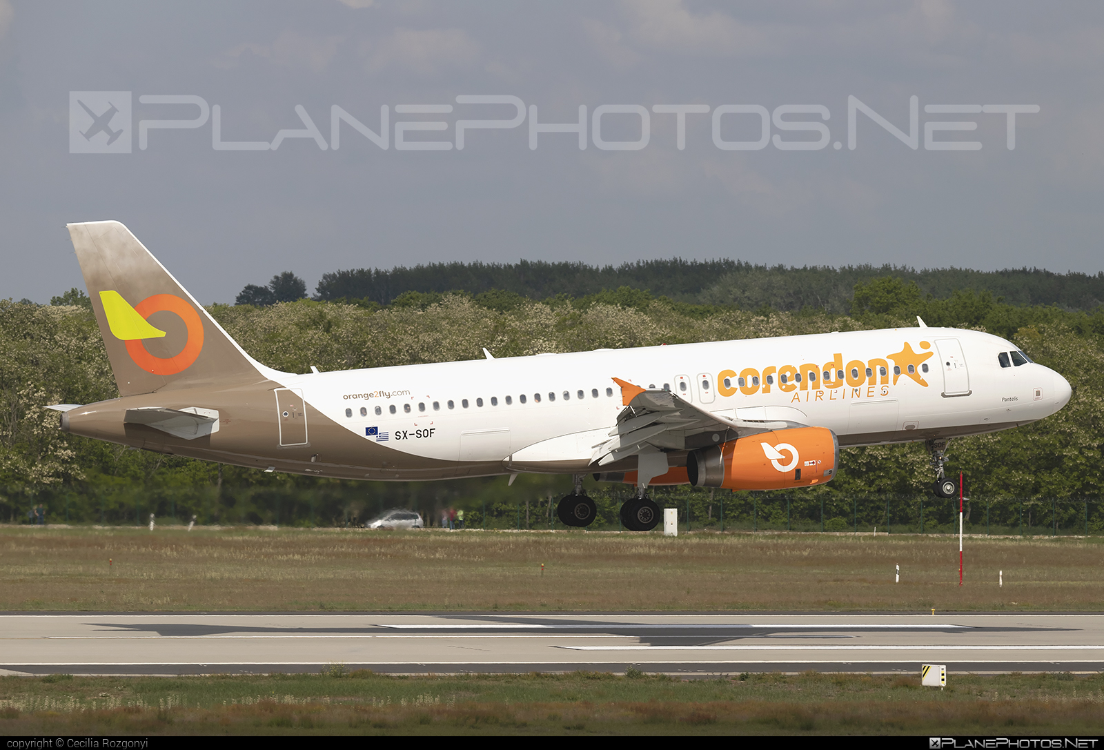 Airbus A320-232 - SX-SOF operated by Corendon Airlines #a320 #a320family #airbus #airbus320