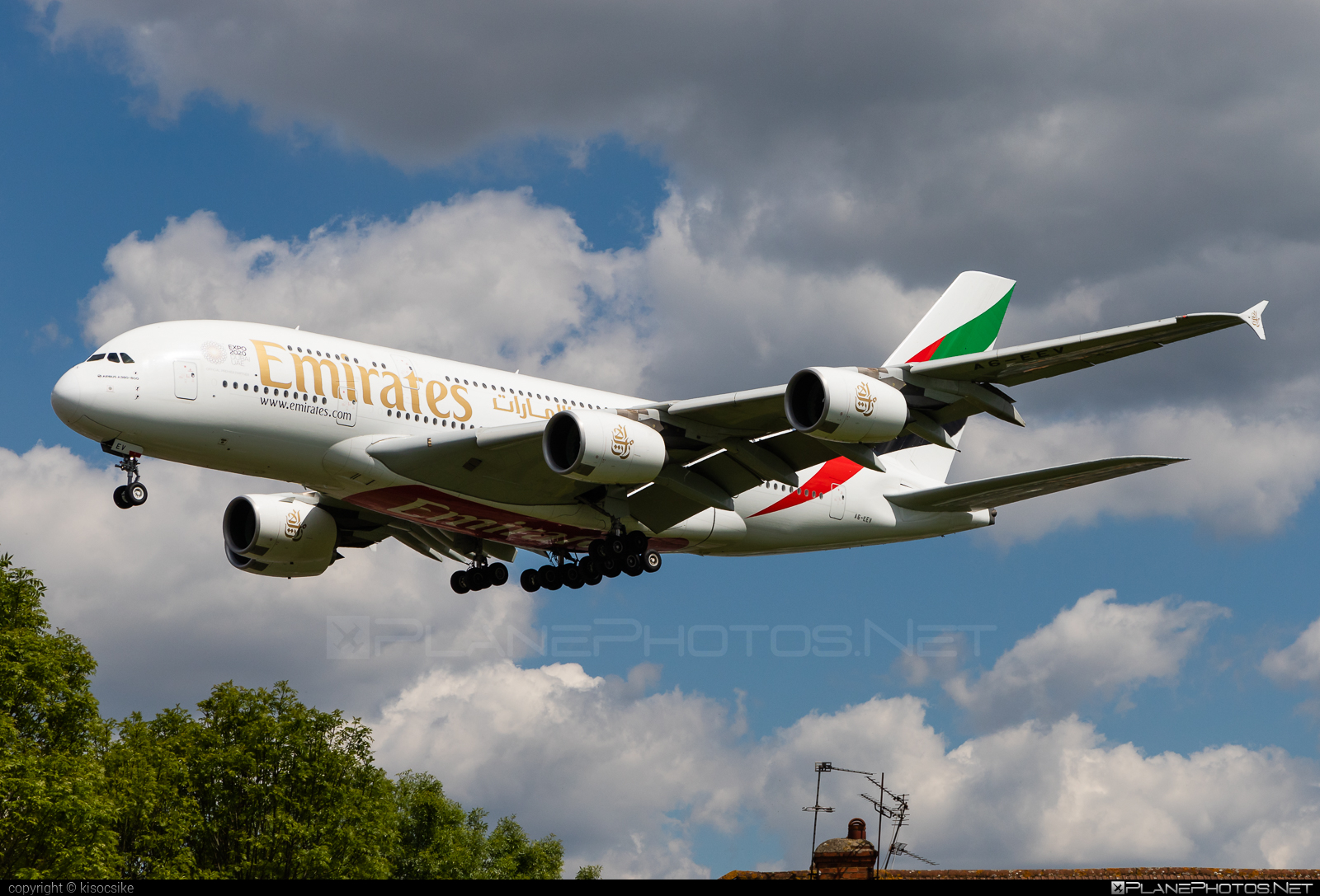 Airbus A380-861 - A6-EEV operated by Emirates #a380 #a380family #airbus #airbus380 #emirates