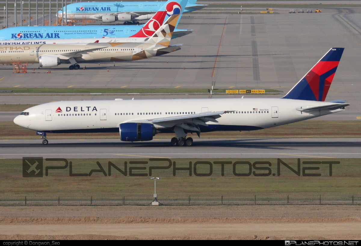 Boeing 777-200ER - N867DA operated by Delta Air Lines #b777 #b777er #boeing #boeing777 #deltaairlines #tripleseven