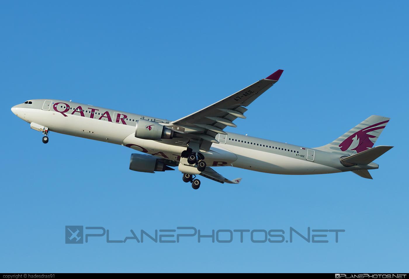 Airbus A330-302 - A7-AEE operated by Qatar Airways #a330 #a330family #airbus #airbus330 #qatarairways