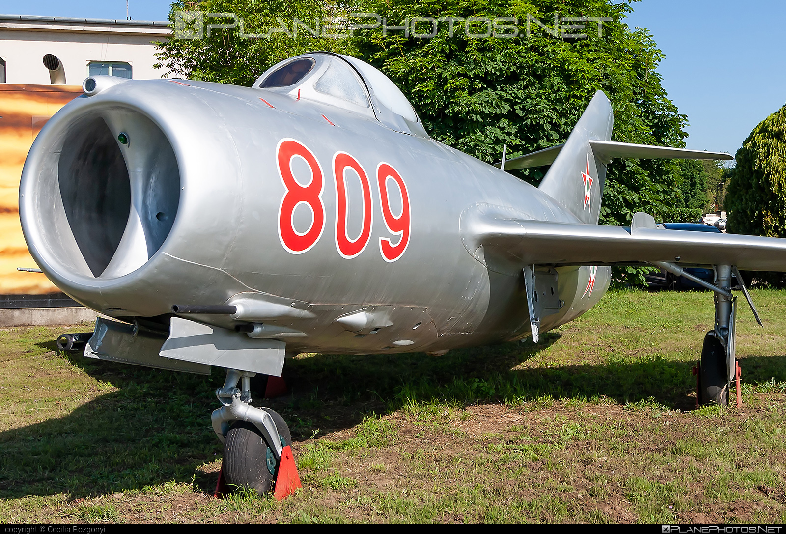 Mikoyan-Gurevich MiG-15bis - 809 operated by Magyar Néphadsereg (Hungarian People's Army) #hungarianpeoplesarmy #magyarnephadsereg #mig #mig15 #mig15bis #mikoyangurevich